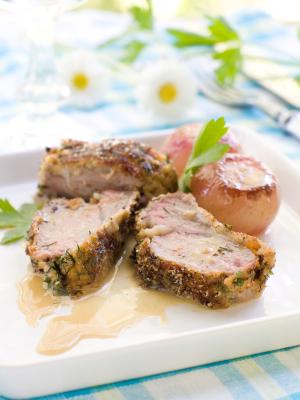 Filets d'agneau gratinés au paillot de chèvre
