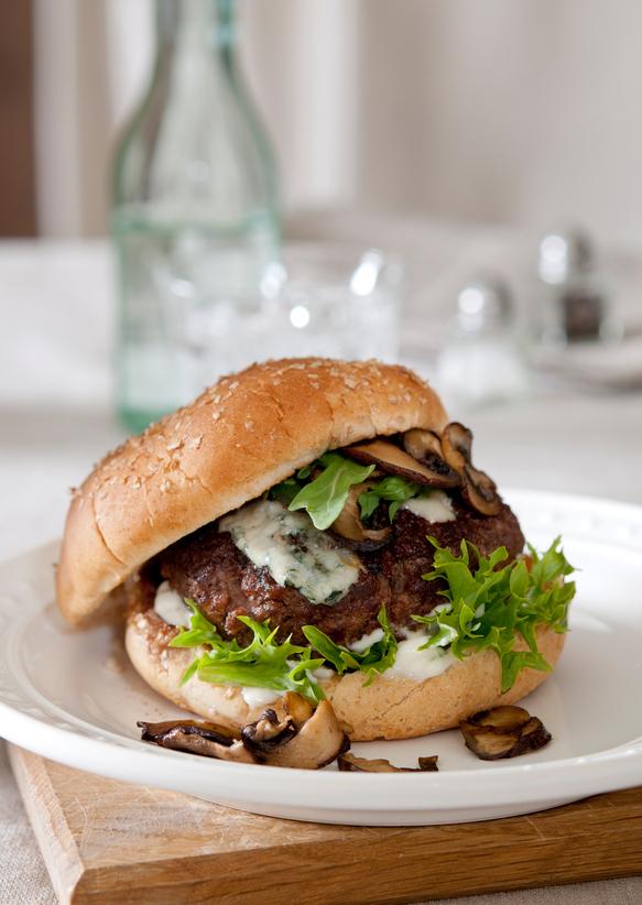Hamburgers de boeuf haché au couteau