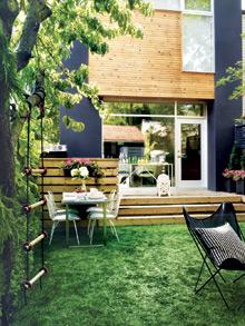 8 astuces pour am nager sa cour ch telaine. Black Bedroom Furniture Sets. Home Design Ideas