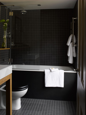 Tendance salle de bain: osez le noir
