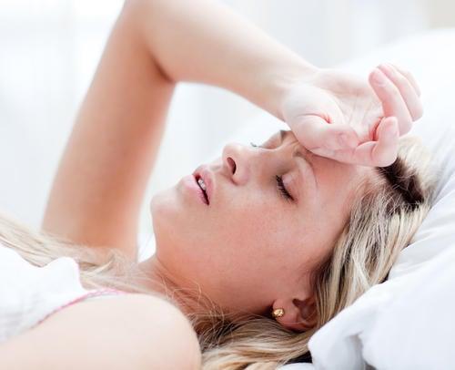fièvre mal de tête et mal de ventre