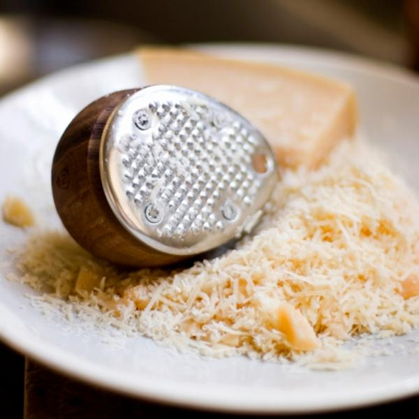Chips de fromage au sésame