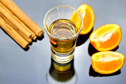 Vodka aux oranges et à la cannelle