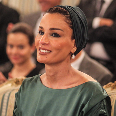 Sheikha Mozah of Qatar receives Order Usmiechu in Poland