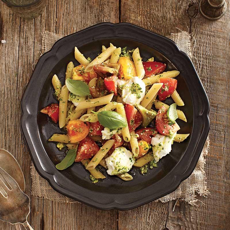 Pennes-Tomates-Mozzarella-Pesto