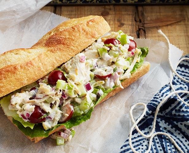 Sandwichs au poulet à l'estragon