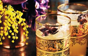 Cocktail à l'anis étoilé et à la cannelle