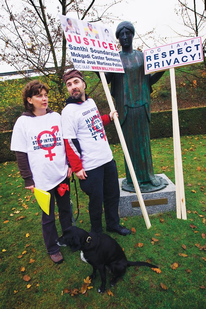 Daniela Truffer et son conjoint, Markus Bauer, ont bataillé ferme pour que changent les pratiques médicales envers les intersexes. Photo par AFP / Getty images.