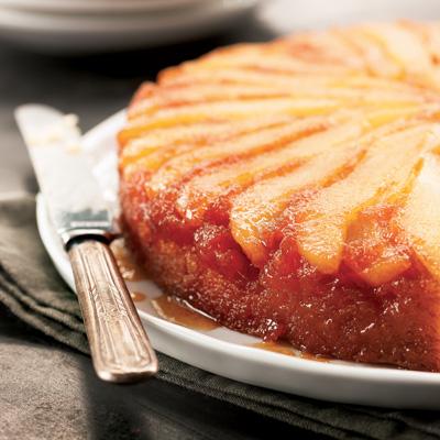 Gâteau renversé aux poires parfumé au gingembre