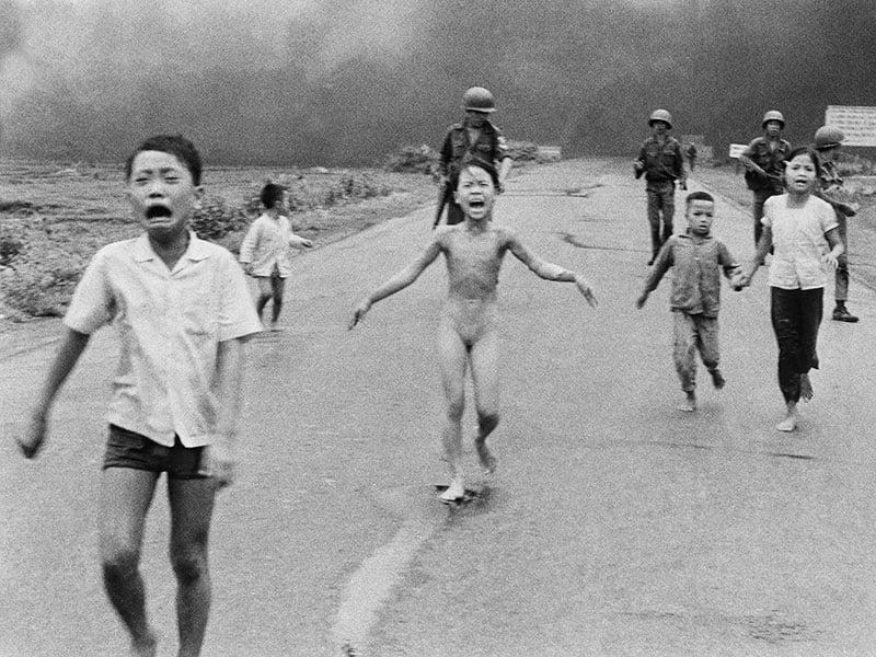 Conversations avec «la petite fille brûlée au napalm» et autres témoins de l'histoire