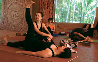 Yoga-Femmes-Inde-Intro