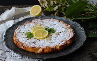 <i>Torta caprese</i> au citron et chocolat blanc