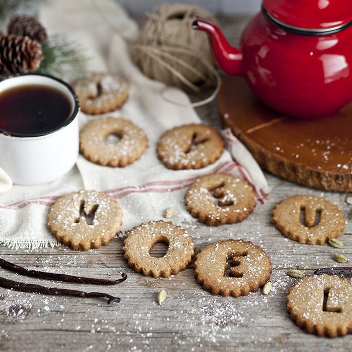 25 recettes de biscuits pour no l ch telaine. Black Bedroom Furniture Sets. Home Design Ideas