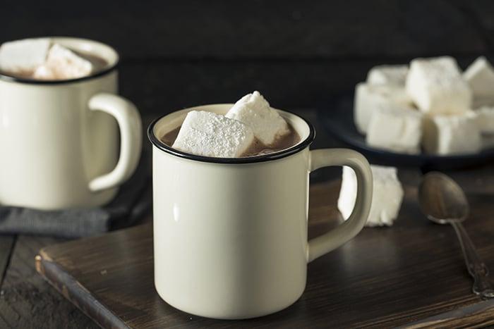 boissons chaudes réconfortantes.chocolat chaud classique 700x467