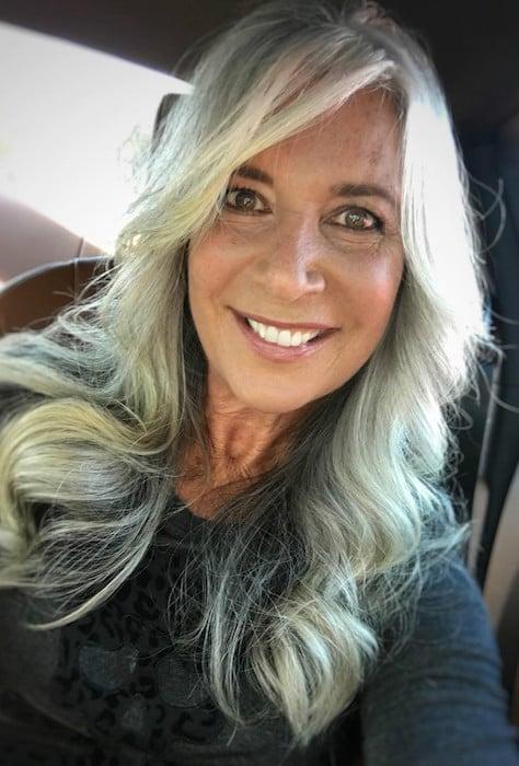 Cheveux gris a 37 ans
