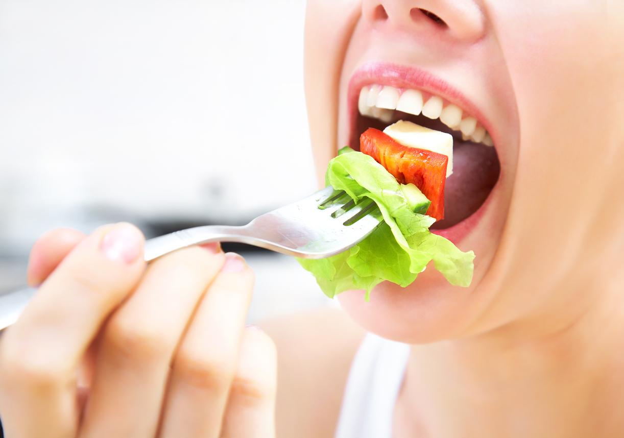 Bien mastiquer les aliments