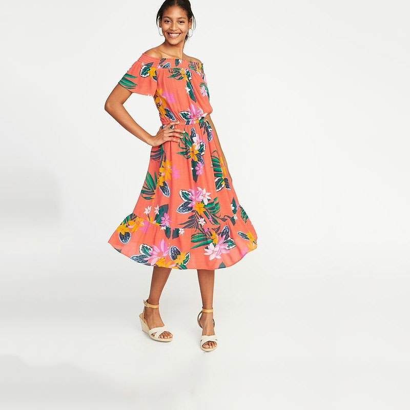 "<p>Robe, <a href=""https://oldnavy.gapcanada.ca/browse/product.do?cid=1090061&pcid=1054439&vid=1&pid=220804023"" target=""_blank"" rel=""noopener"">Old Navy</a>, 54,94 $</p>"