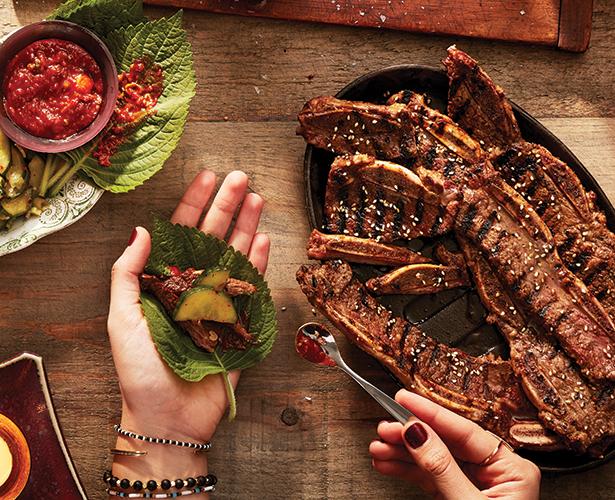 Kalbi (bouts de côtes de bœuf à la coréenne) et sauce ssamjang