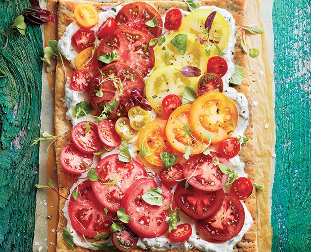 Tarte aux tomates et à l'ail rôti