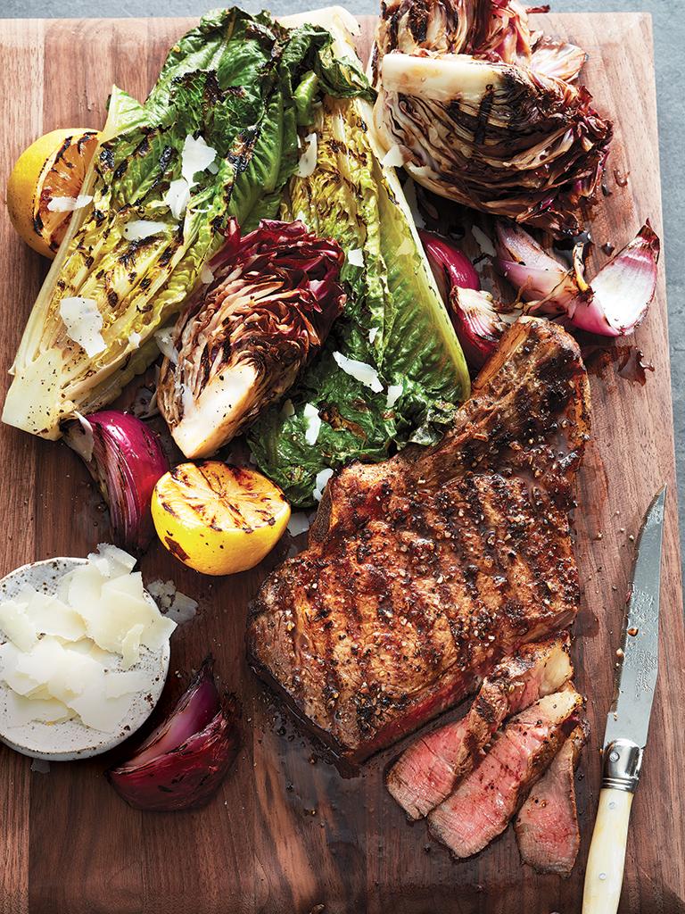 Bifteck grillé et salade César