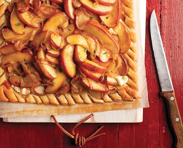 Tarte aux pommes et aux oignons caramélisés
