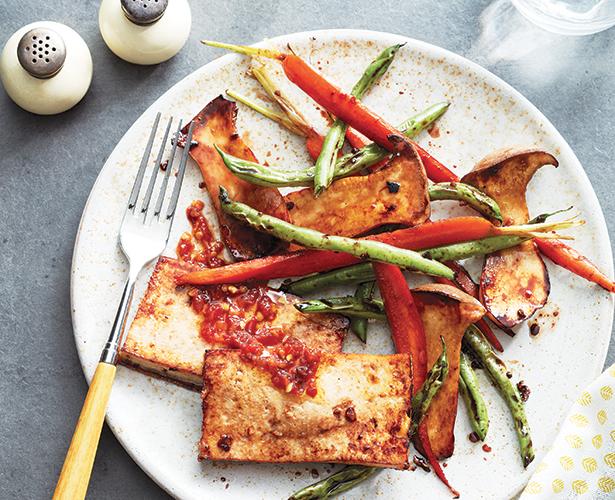 Tofu au sésame et légumes grillés
