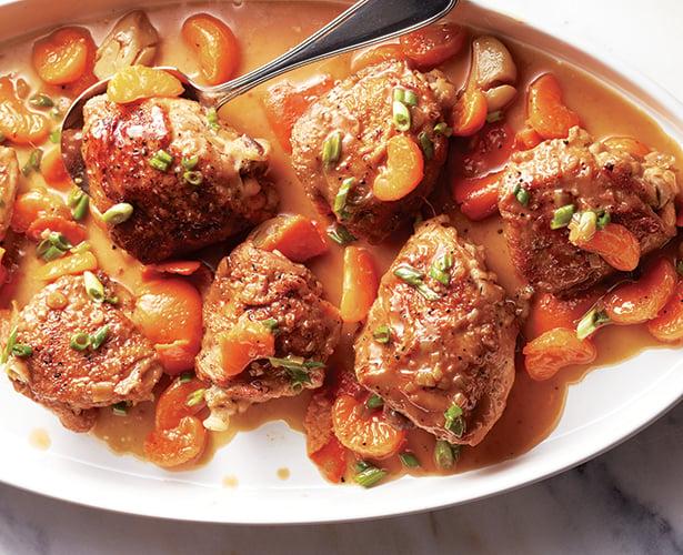 Braisé de hauts de cuisse de poulet à l'orange et au soya