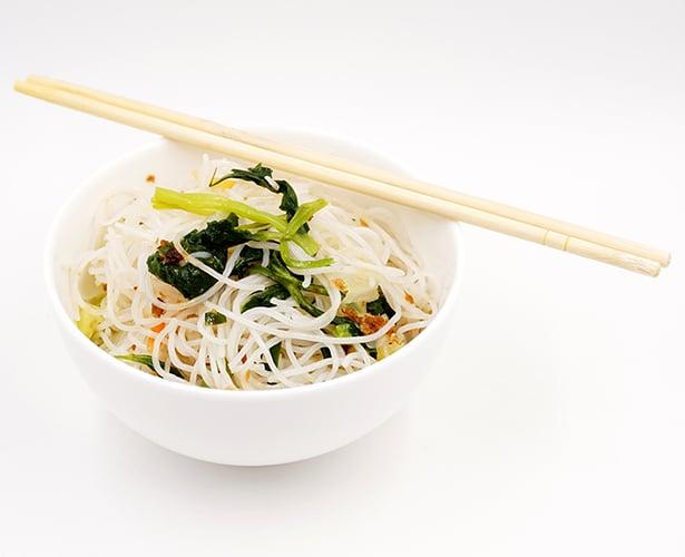Salade de vermicelles épicée à la vietnamienne