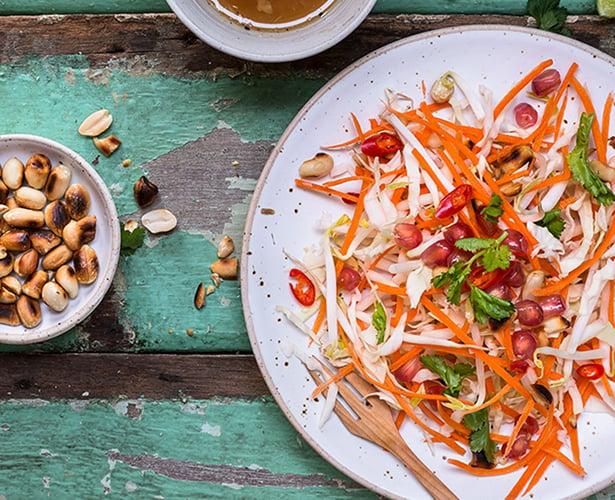 Salade de chou thaïlandaise aux arachides et gingembre