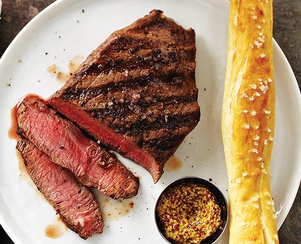Bifteck fumé au barbecue