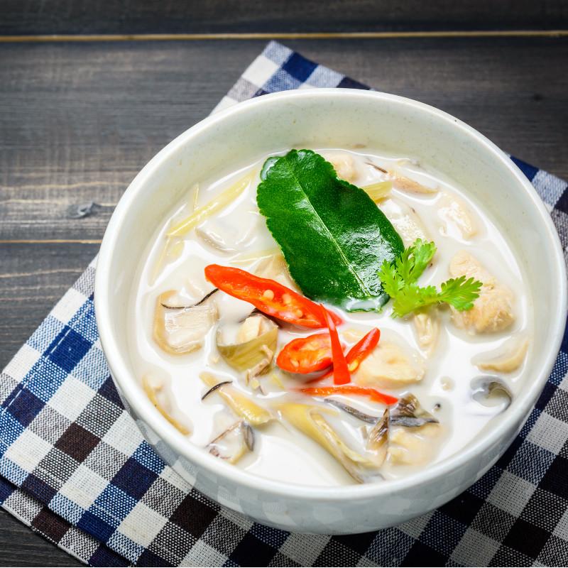 Soupe au poulet à l'orientale