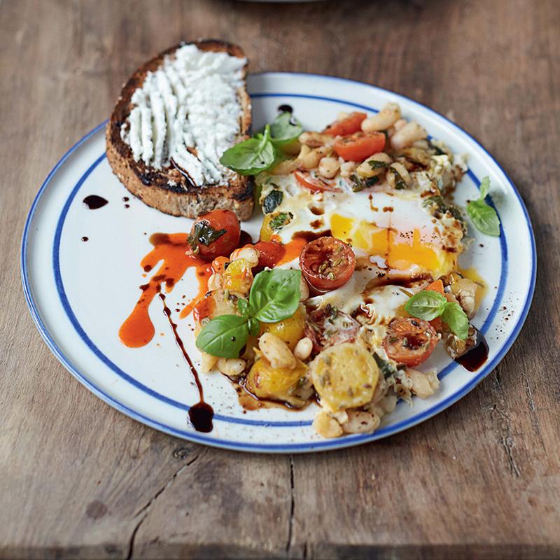 Œufs à la poêle et haricots éclatés de Jamie Oliver
