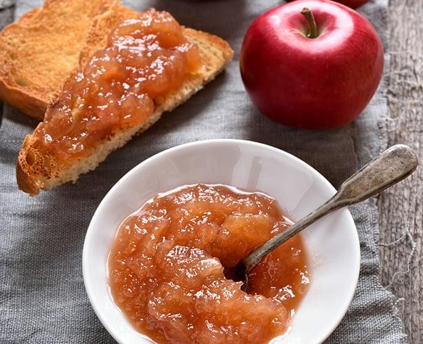 Sauce aux pommes et aux fraises