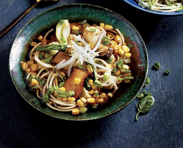 Ramen au céleri-rave, bouillon miso-champignons