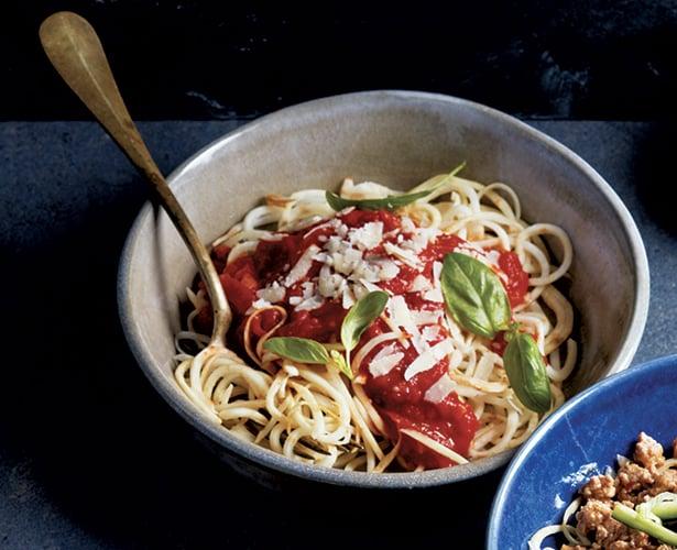 Spaghettis de céleri-rave, sauce arrabiata