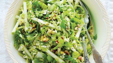 Salade de choux de Bruxelles à la pomme