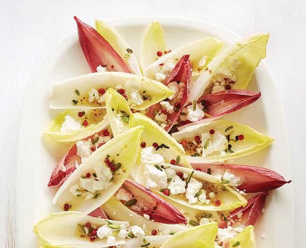 Salade d'endives, pistaches et feta, vinaigrette à l'érable