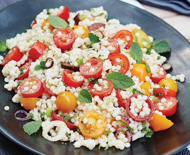 Salade tiède de couscous israélien