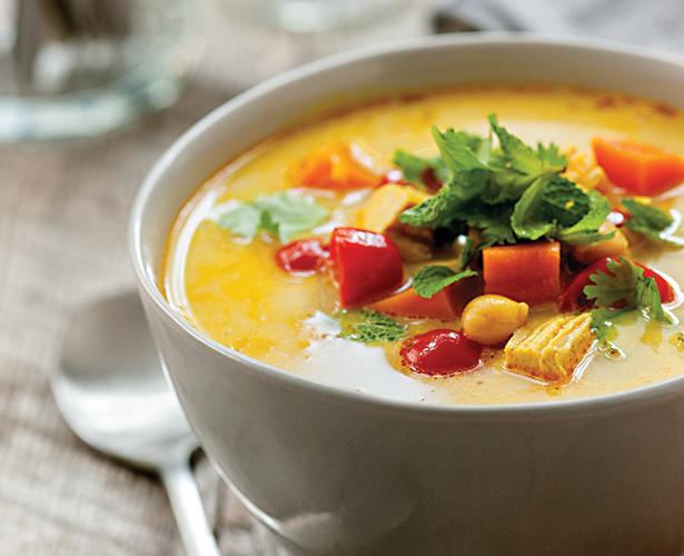 Soupe-repas à la dinde, pois chiches et patates douces