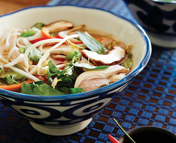 Soupe-repas vietnamienne à la dinde