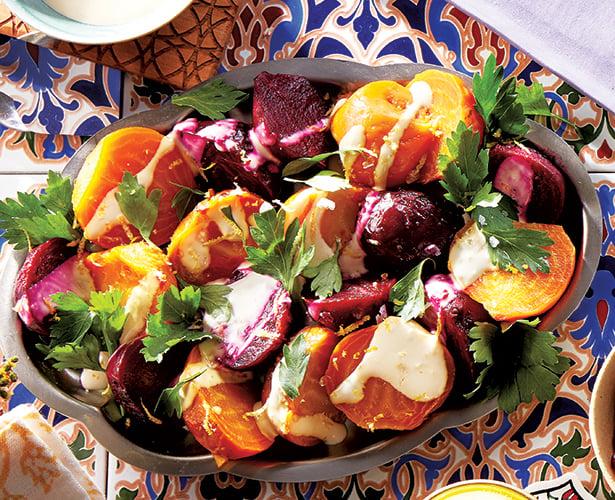 Salade de betteraves rôties et sauce au tahini