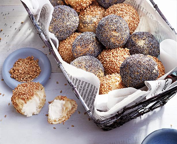 Bouchées de bagels garnies de fromage à la crème