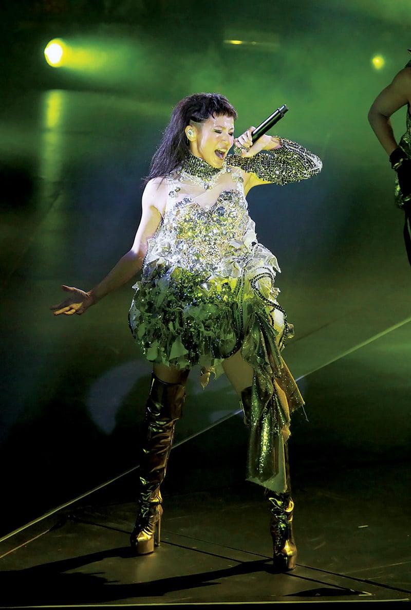 Denise Ho sur scène