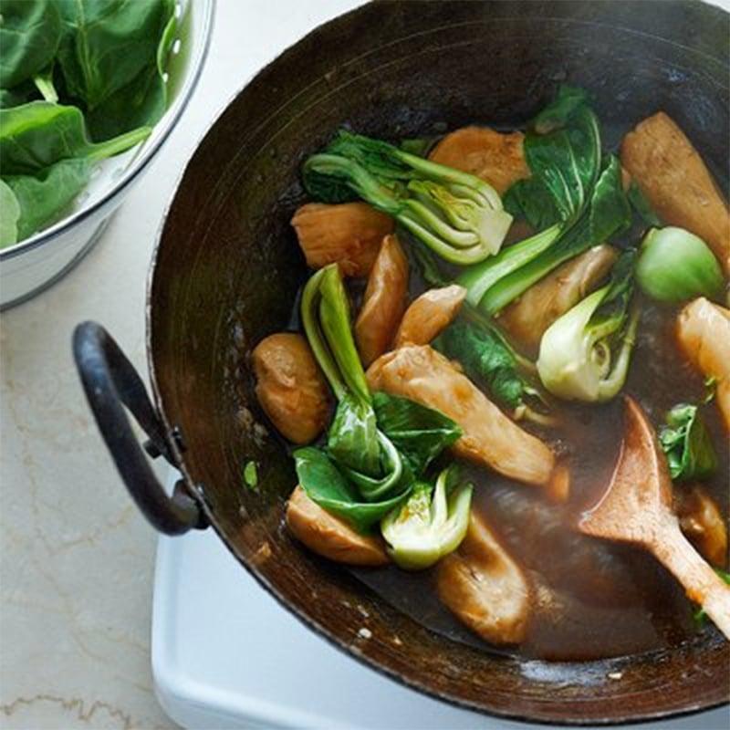 Sauté de poulet aux légumes verts