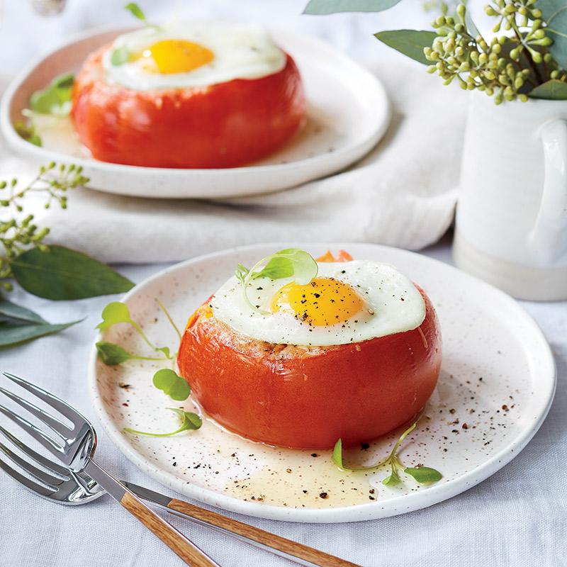 Tomates farcies au caviar d'aubergine, sauce à l'érable
