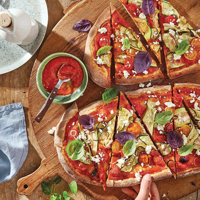 Pizza de blé entier à la méditerranéenne